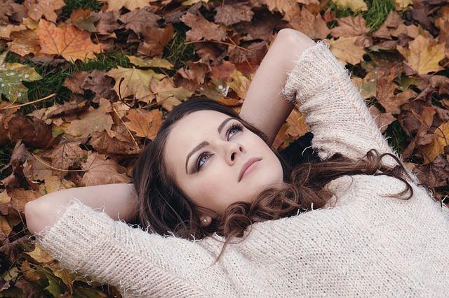 beautiful-girl-2003647_640